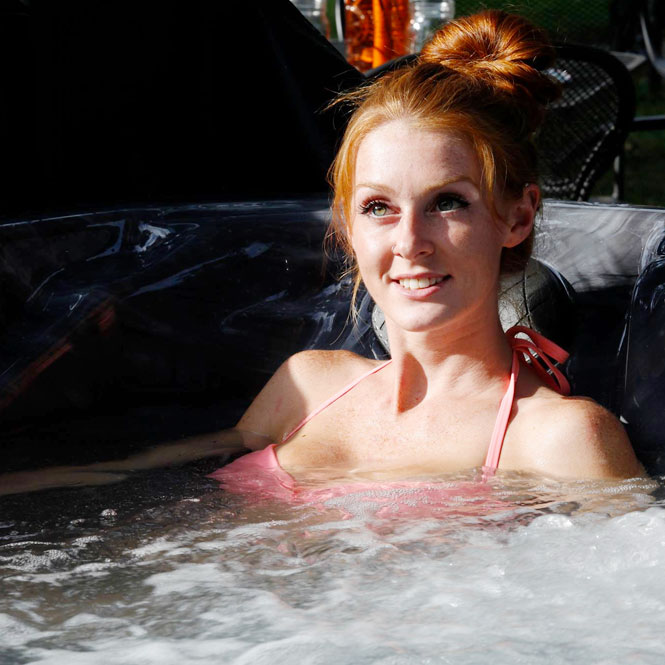 Ginger Girl In A S50 Premium Tub